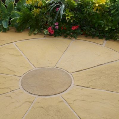 Deco-Pak Oxford Antique Buff Circle with Squaring Off Paving Kit 1.8m